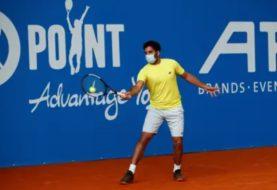 Benjamin Hassan, primer tenista en jugar con barbijo un partido