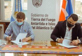 La Municipalidad de Ushuaia y el Gobierno provincial firmaron un convenio para fomentar la iniciación y el desarrollo deportivo