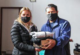 El Municipio de Tolhuin entregó indumentaria al personal del área de Deportes