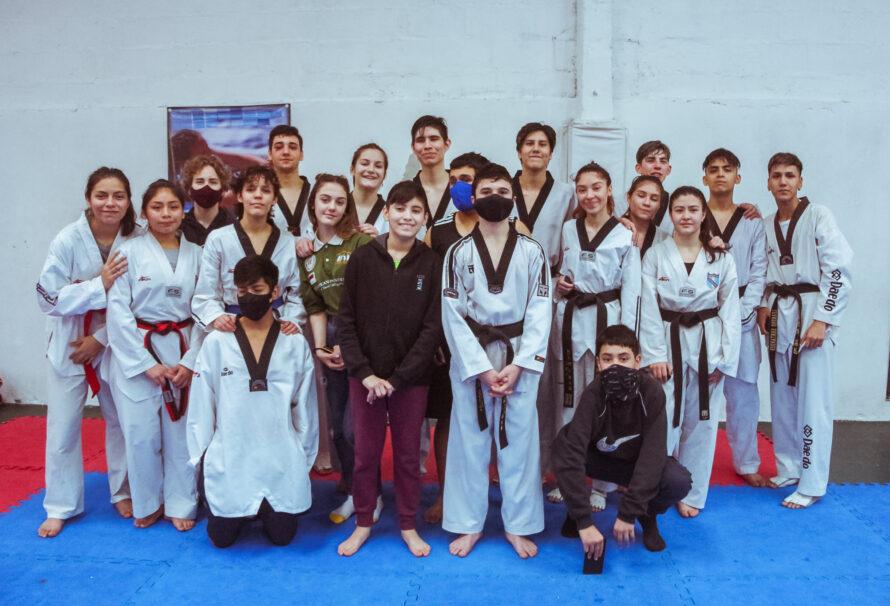 Taekwondo: Se realizó un tope de entrenamiento en el CEPAR de Rio Grande