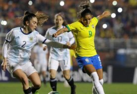 La selección argentina femenina disputa un amistoso con Brasil