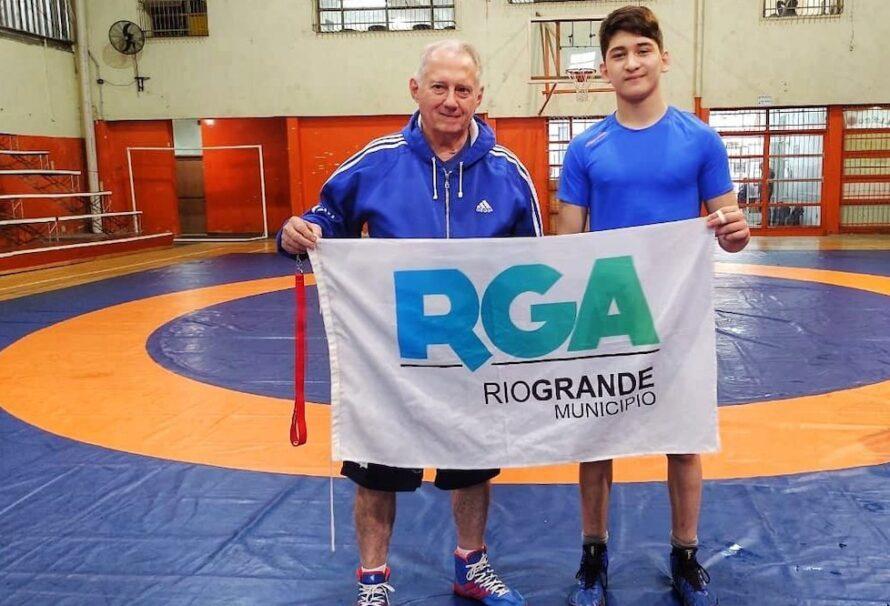 Máximo Miranda obtuvo una gran performance en el campo de entrenamiento de lucha olímpica