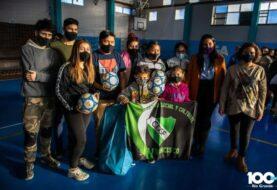 El Municipio e YPF entregaron material deportivo a clubes femeninos
